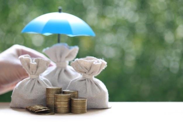 dinero paraguas